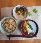 筍づくしー筍ご飯、筍とニラ玉の吸い物、筍とフキとすき昆布の煮物
